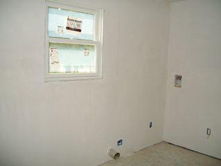 9-24 walls 4 laundry
