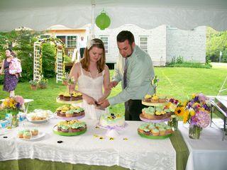 5-30 cutting cake