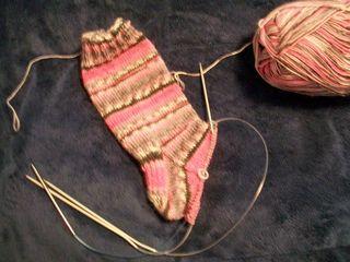 9-3 pink sock