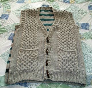 10-12 vest with toggles